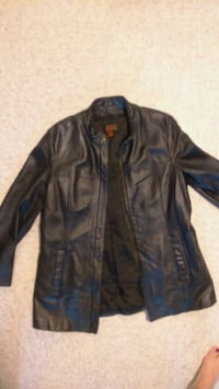 LEATHER JACKETS FOR WOMEN MEDIUMS AND LARGE Montréal, H4E 1K5