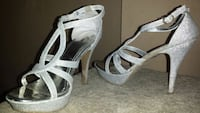 Womens size 9 and a half fancy dress shoes  Surrey, V3W