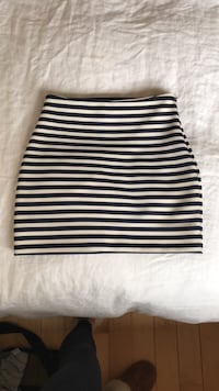 Skirt - size small / extra small Toronto, M6G 2Y5