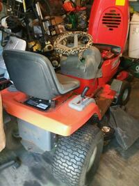red and black ride on mower Gainesville, 32641