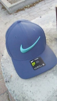 blue and green Nike fitted cap Kelowna, V1Y 9K8