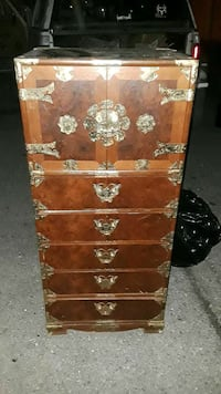 Oriental antique sought after lockable chest with chest insd