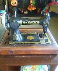 Antique New Willard Sewing Machine Glen Burnie, 21061