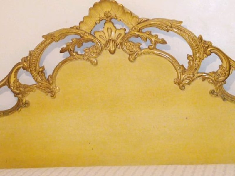 Furniture, headboard, End Table , Chest, Chair cdf02710-23ec-4663-9747-dbe4b0c7e933