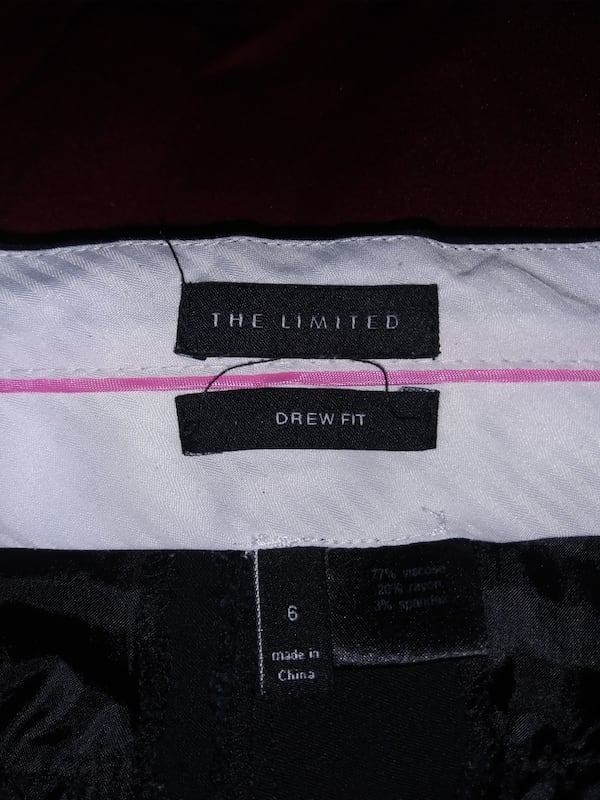 The Limited Drew Fit above knee dress shorts black size 6  71121714-b8fe-4353-a521-e19756460cec