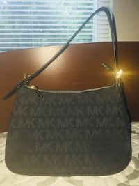 Micheal Kors purse Springfield, 22150