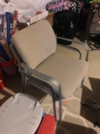 6 BRAND NEW TAN AND SILVER OFFICE CHAIRS