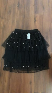 Brand new sz large fancy skirt  Edmonton, T6L 6X6