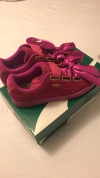 Puma suede heart satin women's shoes  Mississauga, L5L 0A4