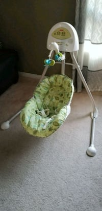 Fisher price baby swing Brampton, L6V 4L6