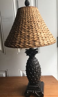 """Beautiful """"Pineapple"""" Lamp w/Rattan Shade (High Quality/Heavy) Hagerstown, 21742"""
