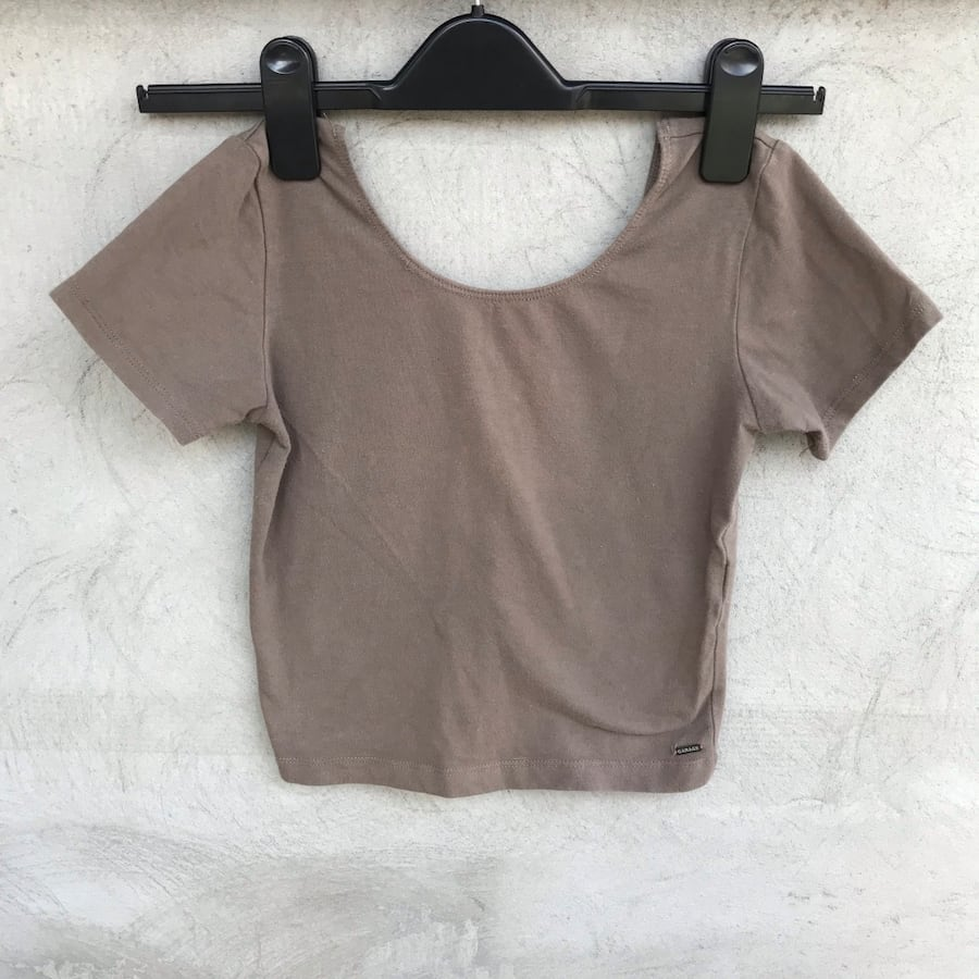 Garage Fitted Cropped Top