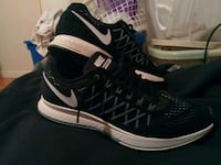 pair of black-and-white Nike running shoes Slocomb, 36375