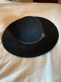Calvin Klein 100% Wool Black Wide Brimmed Fedora Hat With Silver tone Logo Chain Arlington, 22201