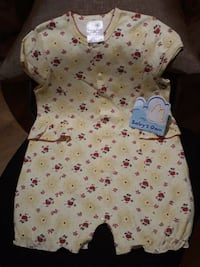baby's white and pink floral onesie Dollard-des-Ormeaux