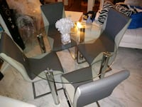 rectangular glass top table with four chairs Los Angeles, 91605
