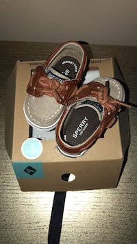 Sperry shoes for boys size 2  Monroe, 10950