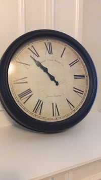 "Battery operated clock - 16"" diameter Pickering, L1V 7G8"