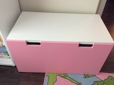 pink and white wooden table