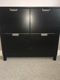 Black wooden 4-drawer chest Central Okanagan, V4T
