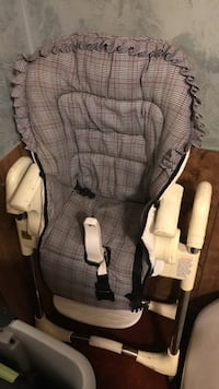 baby's gray and black high chair Redlands, 92374