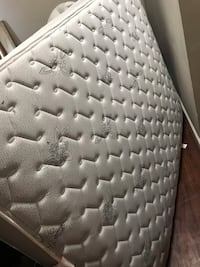 Nice used Queen mattress Pittsburgh, 15203