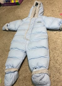 Baby's blue snow suit, brand new size 12 months