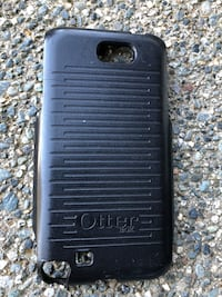 6 OTTER BOXES . Fits various phones Nanaimo, V9T 2N6