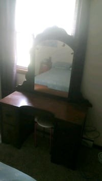 Mackup mirror with mirrow drawers and stool Gansevoort, 12831