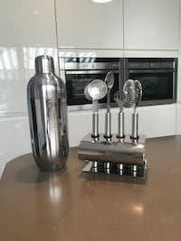 Great condition cocktail set  Hove, BN3 5NN
