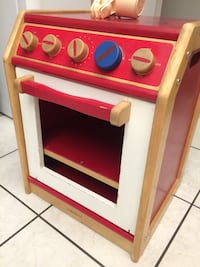 Lakeshore pretend and play stove