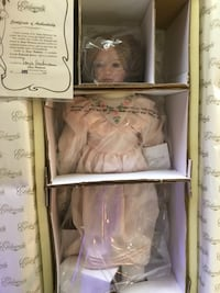Collectible Porcelain Doll Columbia, 21044