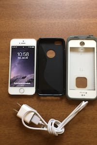 iPhone 5S. Mint Condition Excellent battery everything works