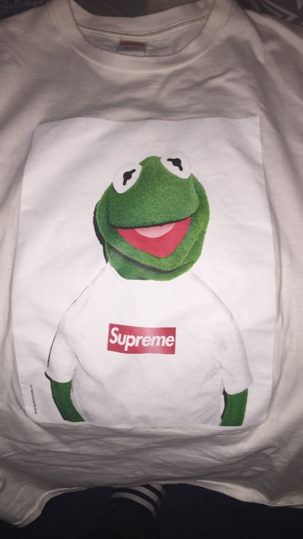 e9ea491f21df Used white and green Supreme Kermit the frog crew-neck shirt for sale in  Springfield - letgo