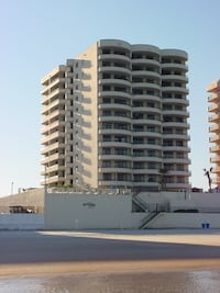 Beach condo 700.00 per week  2BR 2BA Daytona Beach Shores