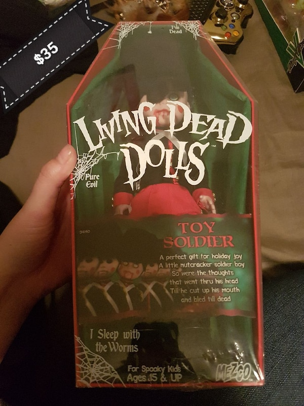 Living Dead dolls toy soldier pack