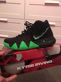 Nike kyrie 4 Halloween size 8.5 St Catharines, L2S 3X3