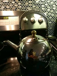 Stainless steel kettle Brampton, L6Y 1T8