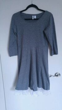 gray scoop-neck long-sleeved dress