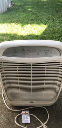 Whirlpool Whispure  510 air purifier. In working condition. Has new charcoal filter. Hepa filter still has has of its life.  If you see this post its still available  New York, 10469