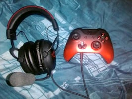 Xbox One Controller And Headset