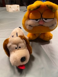 Vintage 1981 Plush Garfield and Odie $25 obo