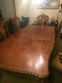 brown wooden dining table set Norfolk, 23518