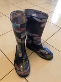 Girl's Rain Boots Size 1 Newmarket, L3Y 8H4