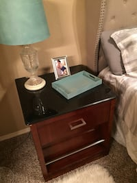 two clear glass base table lamps Bentonville, 72712