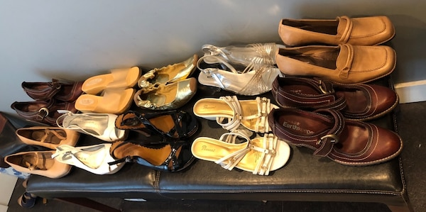 Bulk 13 pair shoe lot . Mostly size 7 , and 8 4