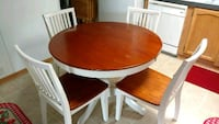Solid wood table with four chairs Newark, 43055