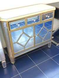 Mirrored cabinet new out of box Vaughan, L4K 4Z9