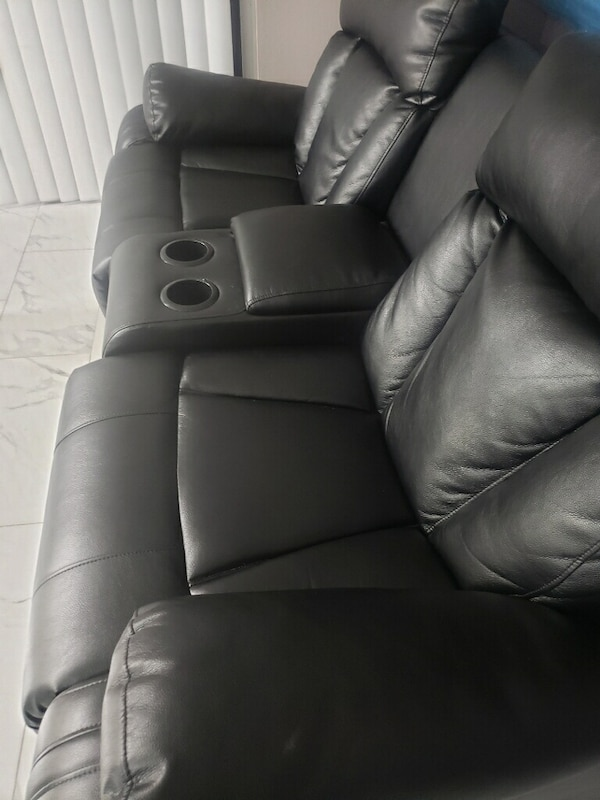 Brand New Leather 2 seater Recliner 5d445283-e8c2-4a79-b074-60a2c1c15233