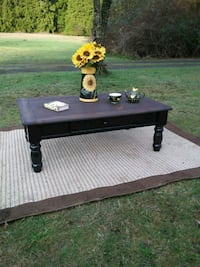 Updated wood coffee table - delivery available  Poulsbo, 98370